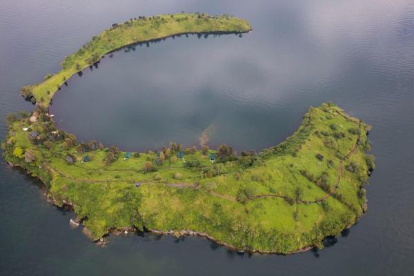 tchegera island congo, goma island, virunga national park, nyiragongo hike congo